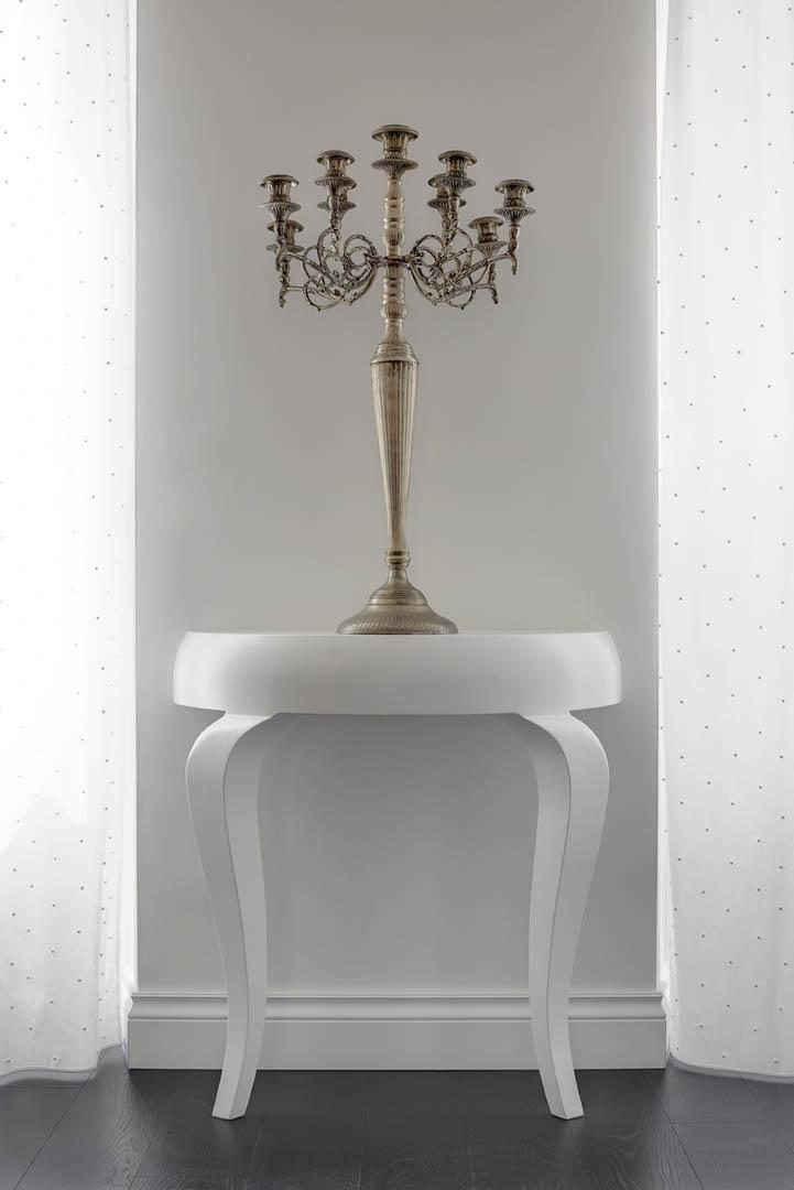 Battiscopa bianco massello stile inglese for Arredamento stile inglese bianco